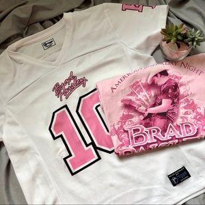 Brad Paisley Pink & White XL Bundle